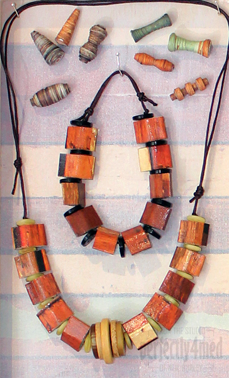 paper bead jewellery display  for jones crafts